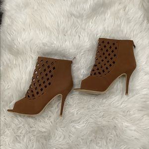 NEW FOREVER 21 LATTICE CUTOUT HEELS CAMEL COLOR